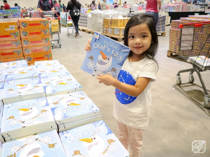 Why book sale events are one of my favourite mom-daughter bonding