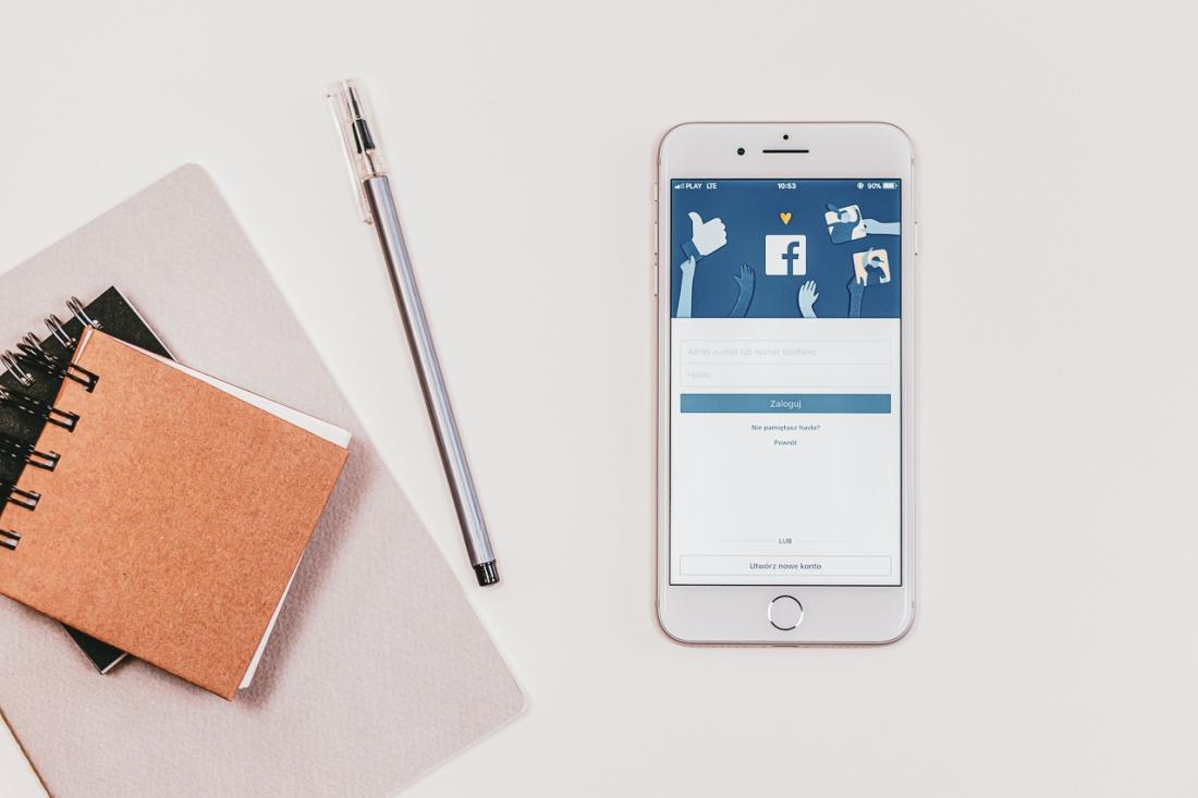 cellphone-electronics-facebook